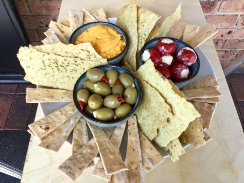 platter crackers_consdeli
